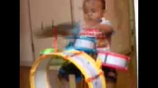 Raining Blood (Slayer), 3 years old drummer!!