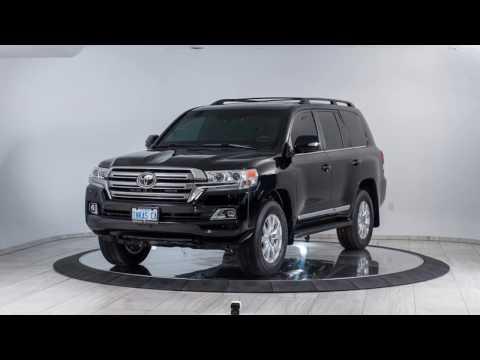 Toyota Land Cruiser 200 base