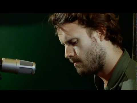 father-john-misty-hollywood-forever-cemetery-sings-amoeba-green-room-session-amoeba