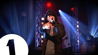 Eminem balance un gros Medley de tous ses Hits sur BBC Radio 1