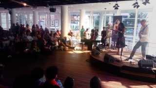 """Gracias A La Bida "" - Izaline Calister // Ed verhoeff Live"