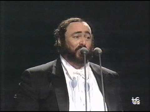luciano-pavarotti-la-mia-canzone-al-vento-1990-milano-fifa-concert-singercanela
