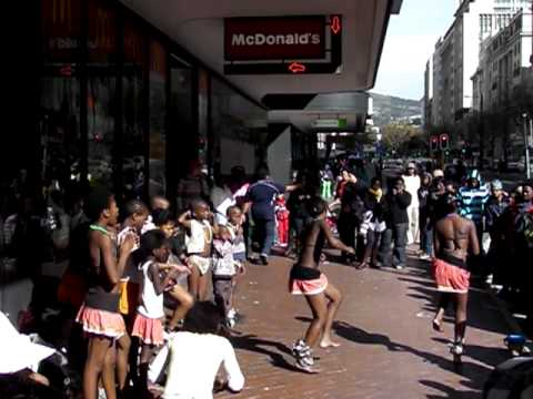 African Street Performance In Cape Town ケープタウンのストリートパフォーマンス