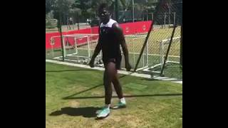 Mario Balotelli challenges Marcelo to emulate his latest trick