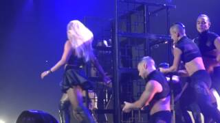 Britney Spears - Do Somethin' (Live)