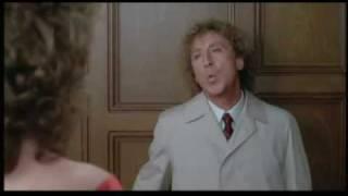 A Dama de vermelho (cena do elevador)
