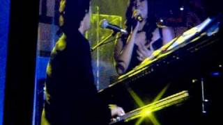 JOSH GROBAN & JORDIN SPARKS PT 2 AT CELEBRITY FIGHT NIGHT XV- BRIDGE OVER TROUBLED WATERS PT2