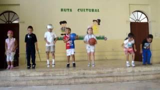 El baile olimpico por niños del kinder Federico Vides