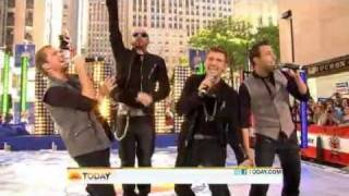 Backstreet Boys & NKOTB - Larger Than Life / You've Goy It ( Live Today Show 06-03-2011