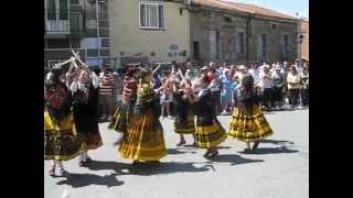 """Grupo de Coros y Danzas de Hoyocasero """"La Portuguesiña"""" en Navalosa 2010.avi"""