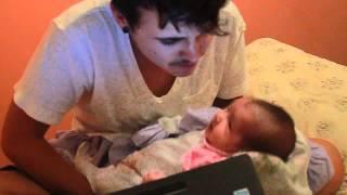 Acalmando um bebe com slipknot