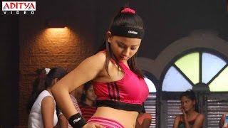 Swetha Basu Entry Scene In Deewane Dil Jale Hindi Movie width=