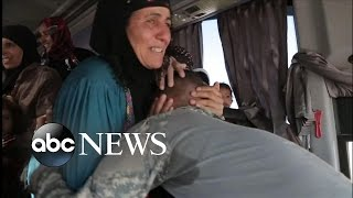 Iraqi Soldier's Tearful Reunion with His Mother After 2 Years