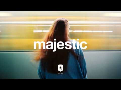 christine-and-the-queens-christine-paradis-remix-majestic-casual