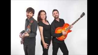 AT LAST, Intercity Band / Victoria Loren Música.