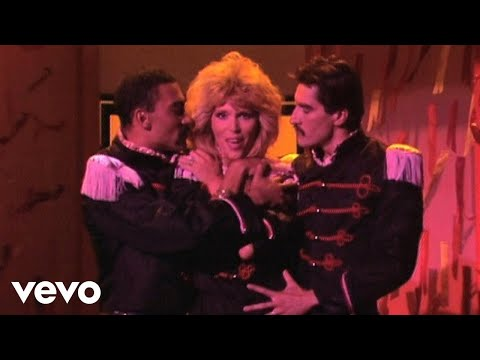 Fever de Amanda Lear Letra y Video