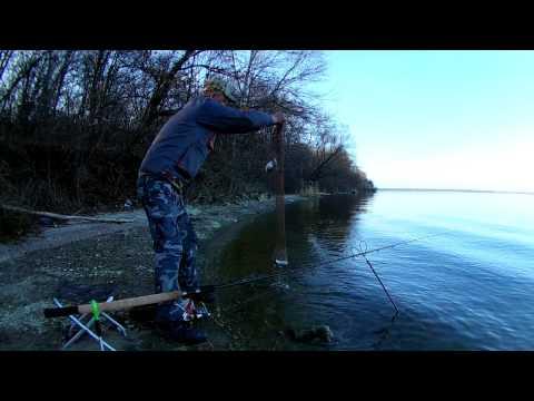 видео рыбалка ранней весной с фидером