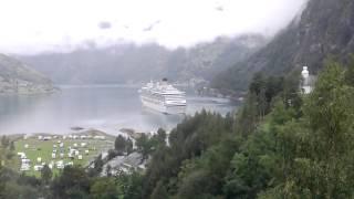 Geiranger-Norwegia-wodospady i potok