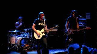 Eagles of Death Metal - Flames Go Higher [LIVE]