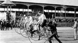 Queen - Bicycle Race [Picture video]