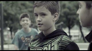 Maxisun - Testvér (Official Video)