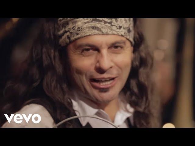"""Vídeo de """"La música de tus tacones"""" de """"El Arrebato"""