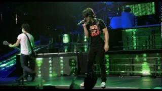 Jonas Brothers - Pushin me away (Concert) HD