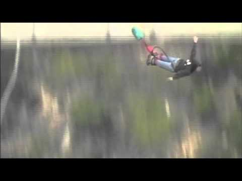 Doug Curphey Bungee Jump Bloukrans Bridge 2011.mov