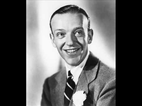 fred-astaire-a-foggy-day-1937-tmmvds