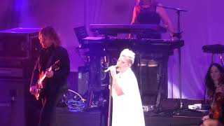 Pink - Beautiful Trauma (Hollywood Bowl, Los Angeles CA 10/21/17)