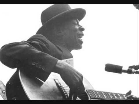 skip-james-backwater-blues-thedarkblueroom