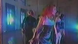 ERA AMENO-VIDEO PERFORMANCE