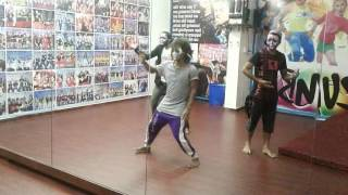 jab se tujhe dekha dil ko khi aaram nhi  dance practice