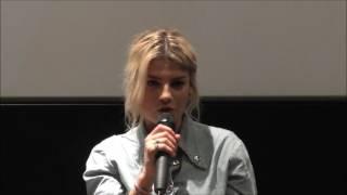 Emma Marrone parla della sua canzone nel film La cena di Natale, su SpettacoloMania.it
