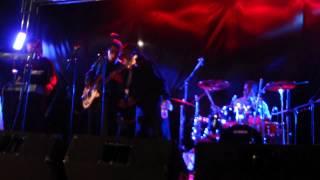 LOS CORAZONES SOLITARIOS es amor LIVE 2012