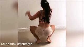 Nina Capelly Dançando
