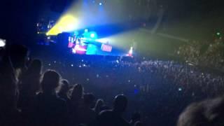 Twenty One Pilots - Migraine (Live Auckland 2016)