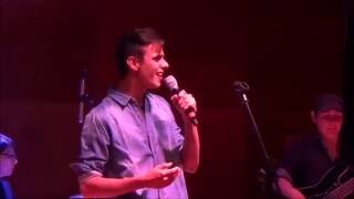 "Sebastián canta ""I won't give up"" de Jason Mraz."
