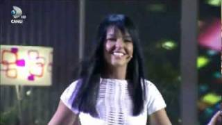 Bengü Beyaz Show 2011 Full HD