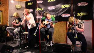 """Cage The Elephant - """"Ain't No Rest For The Wicked"""" ACOUSTIC (High Quality)"""