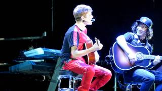 Justin Bieber - Favorite Girl @River Plate Stadium 12/10 HD (Desde FILA 2) LIVE