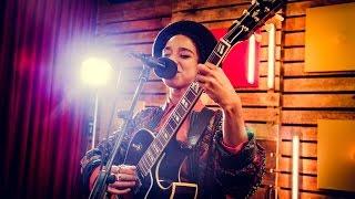 Lianne La Havas - I Say A Little Prayer (Aretha Franklin cover) (live)