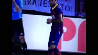 Dani Alves Eats Banana Thrown From Public! Villareal vs Barcelona 2-3!