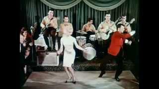 Dançando Rock and Roll Twist ao som de Chubby Checker