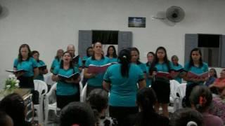 conjunto de senhoras Monte Moriá AD Tabocas louvando o hino Vento do Espirito