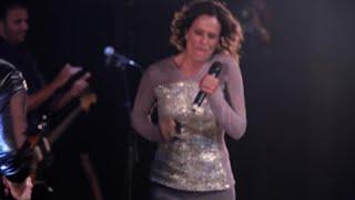 Isabella Taviani Ft. Zélia Duncan - Queria Ver Você No Meu Lugar (DVD Eu Raio X Ao Vivo)