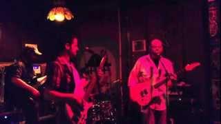 Big Shiny Shoes ~ Machinehead (Bush Cover) Live in HD
