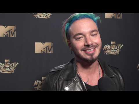 J Balvin entrevista 2017 MTV Movie and TV Awards