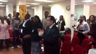 Grupo de Louvor Adp Maculusso Lisboa - Segura a minha mão Jesus