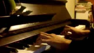 """""""El derecho de vivir en paz"""" and """"El pueblo unido jamas sera vencido!"""" piano cover."""